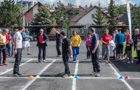 Jubilejný ročník bežeckej štafety a Deň detí a športu v Štrbe behom oslávilo takmer 300 ľudí a 50 rodín.