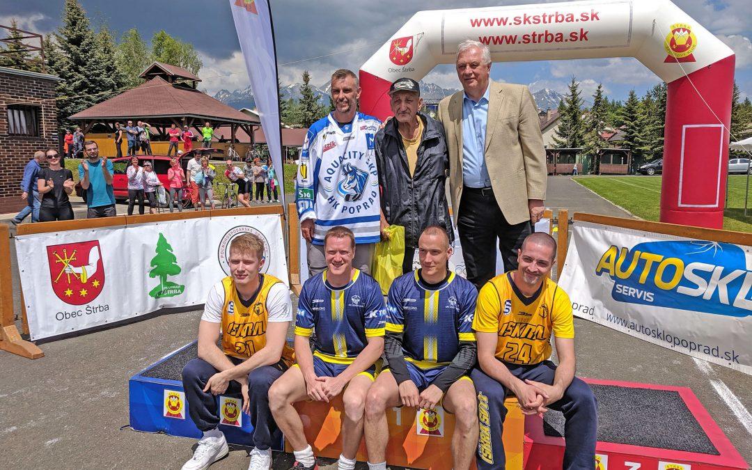Viac ako 50 rodín si odbehlo 34. ročník bežeckej štafety a oslávilo Deň detí a športu v Štrbe